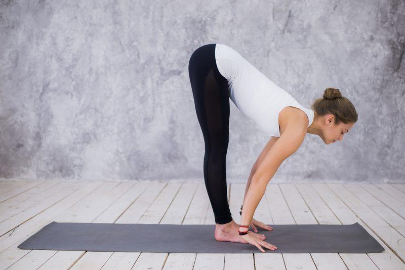 Ардха Уттанасана - асана в йоге