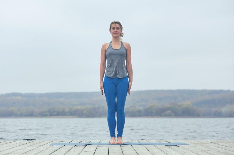 Поза йоги - тадасана