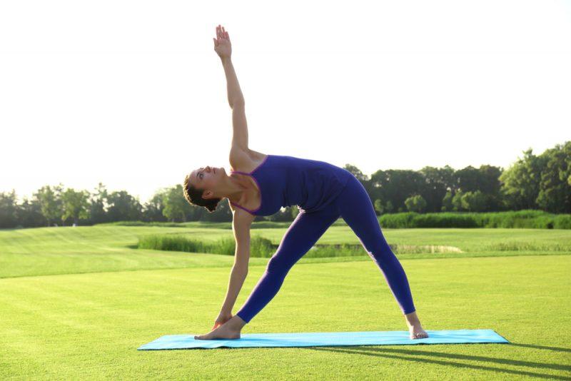 Поза йоги - Триконасана