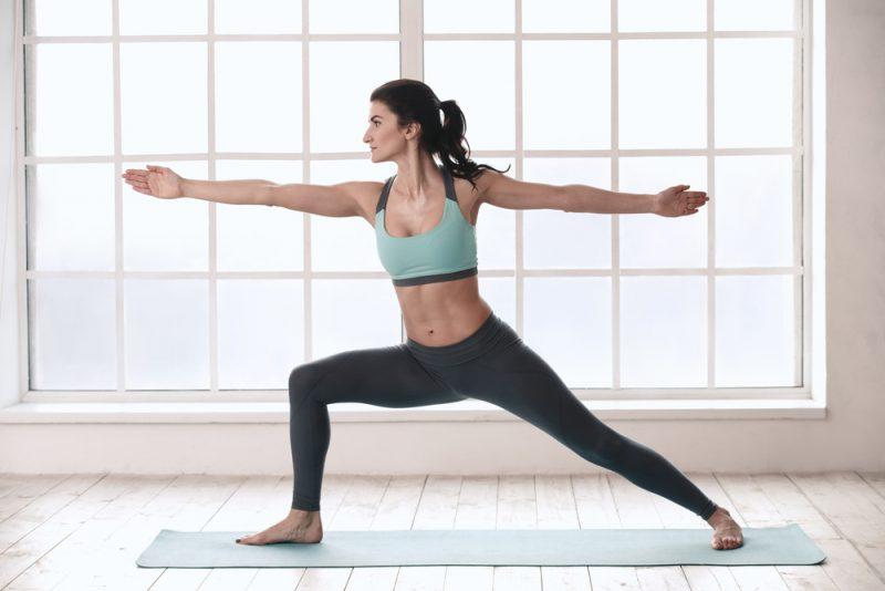 Поза йоги - вирабхадрасана 2