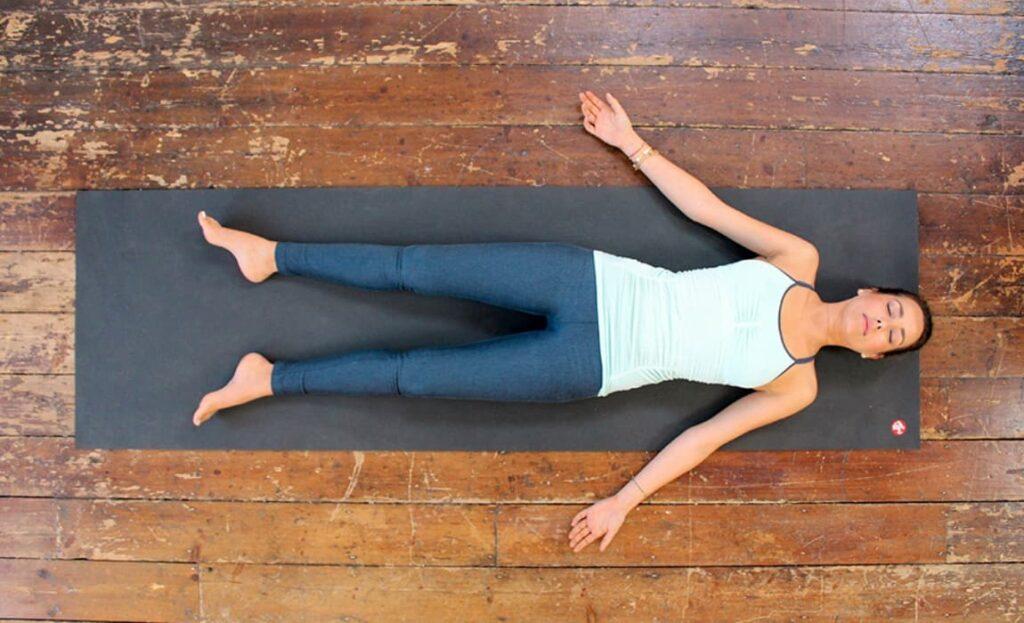 Медитация лежа на спине